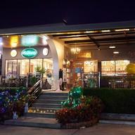 หน้าร้าน ห้องอาหาร Bay marina