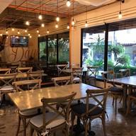 Sevendays cafe & bakehouse ประชาชื่น