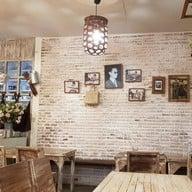 บรรยากาศ Wood Cafe ลาดพร้าววังหิน 48