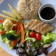 จงแข็งแรง  เมนูต้านโควิด อาหารคลีน  ตามสั่ง  น้ำผักผลไม้ วัดมกุฏกษัตริย์