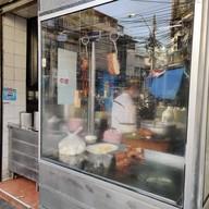 หน้าร้าน รสทิพย์ยอดผัก (บ้านหม้อ) สูตร 90 ปี