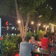 บรรยากาศ ข้าวต้มริมสระเจ้าแรกเมืองทองธานี เมืองทองธานี