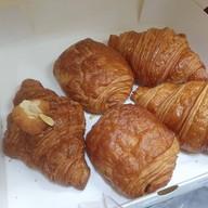 เมนูของร้าน Kenn's Coffee & Croissant