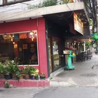 หน้าร้าน Tacos and Salsa  อ่อนนุช 2/1