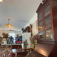 The Little House Cafe and Restaurant