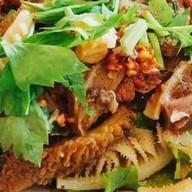 ร้านก๋วยเตี๋ยวเนื้อตุ๋นและหมูตุ๋นอุดร. เจ๊หวิน(จังหวัดกาญจนบุรี) ซอยอาชีวะ เทศบาลเมืองกาญจนบุรี