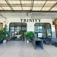 หน้าร้าน Trinity Cafe'