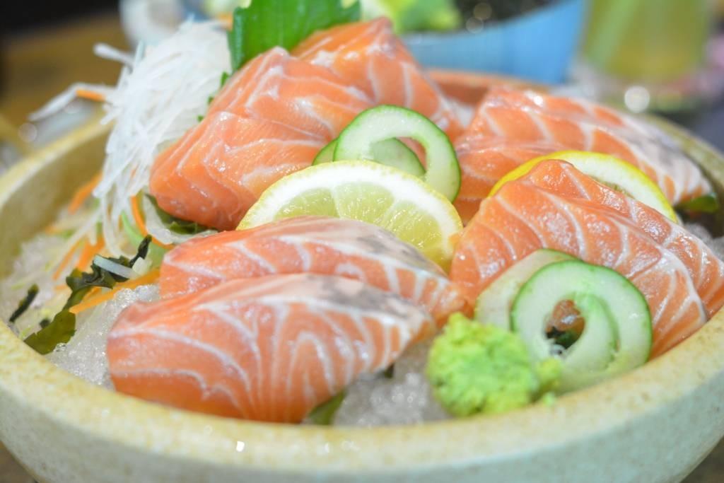 Salmon Sashimi 125 ฿ ลดจาก 250 ฿