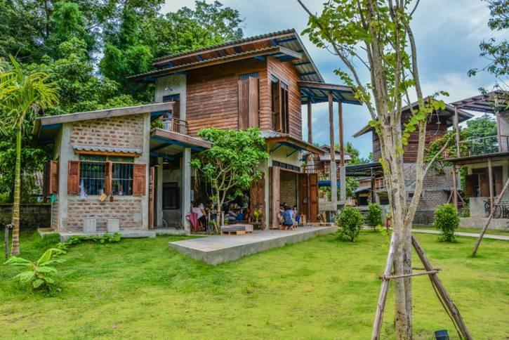 Mahasamut Library by 'ห้องสมุดใจใหญ่'