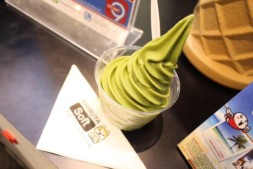 ไอศกรีม Soft Serve รสชาเขียวมัจฉะ ใส่ถ้วยไซด์ใหญ่ (39 บาท)