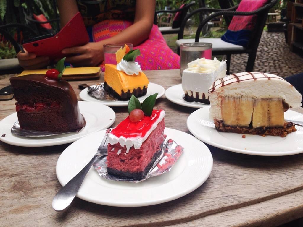 เค้กไม่ได้แค่สีสวยน่าทานอย่างเดียวนะคะ แต่อร่อยมากๆด้วยค่ะ 😋😋