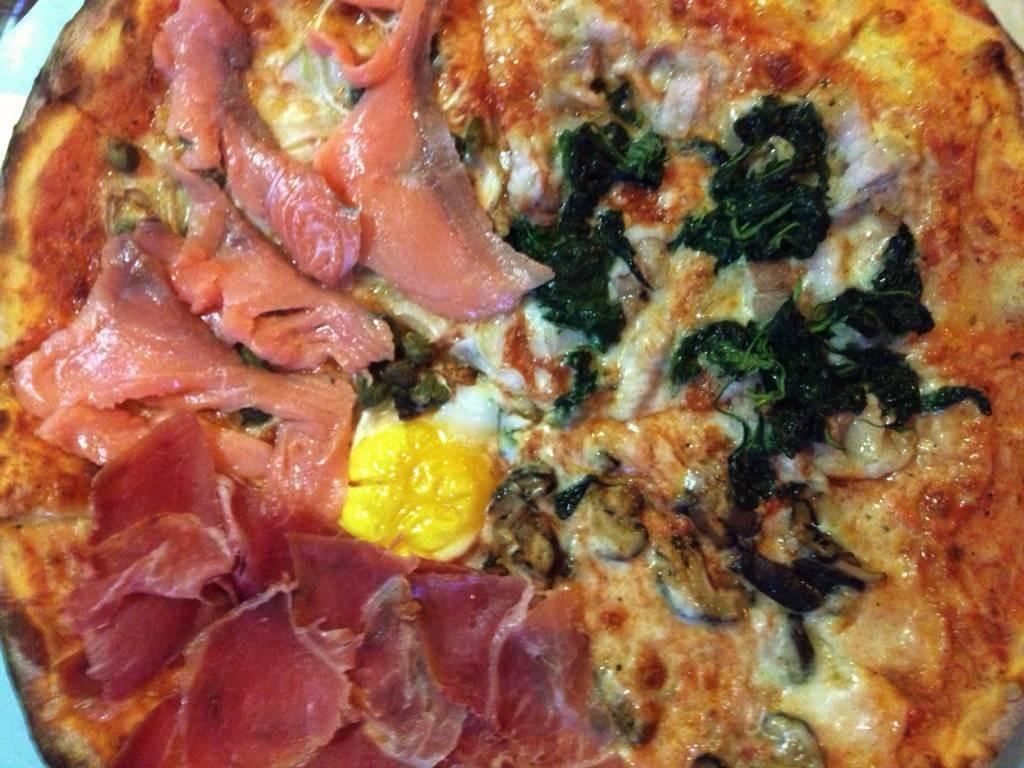 salmon, parma, Bismark, Gorgonzola E Funghi