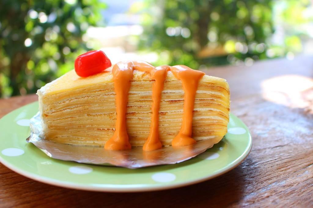 Thai Tea Crepe Cake (55 บาท)