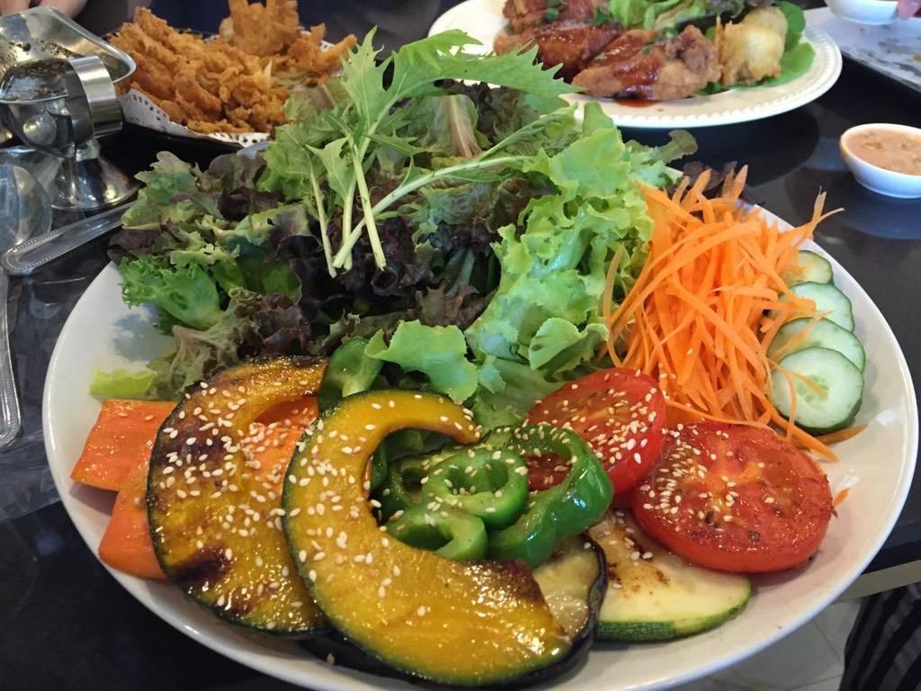 Salad Terrace สวนดอก