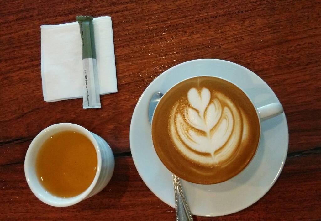 กาแฟเพิ่มสุข