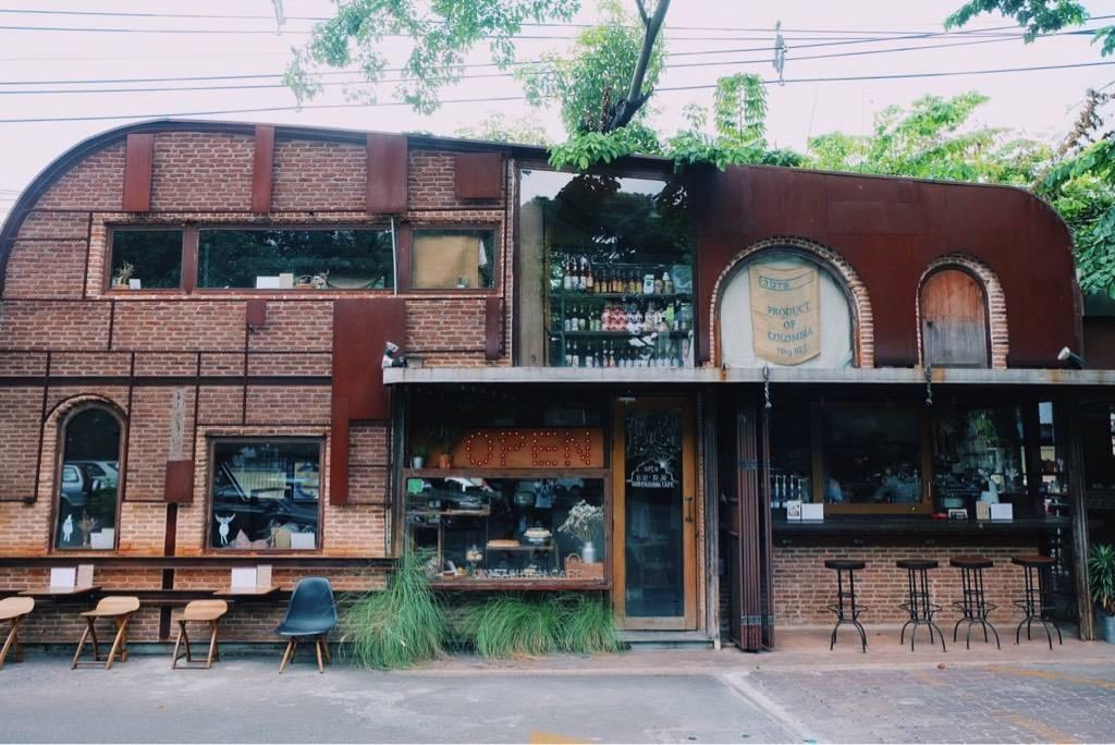 (un) FASHION Cafe