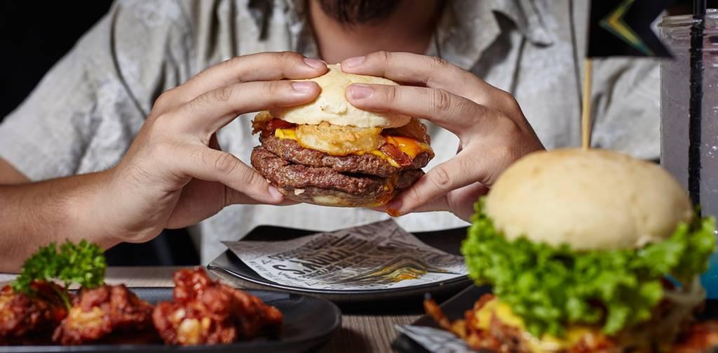 TEDDY's Bigger Burgers Gateway เอกมัย