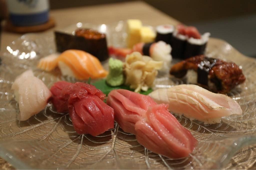 Take sushi 1,600