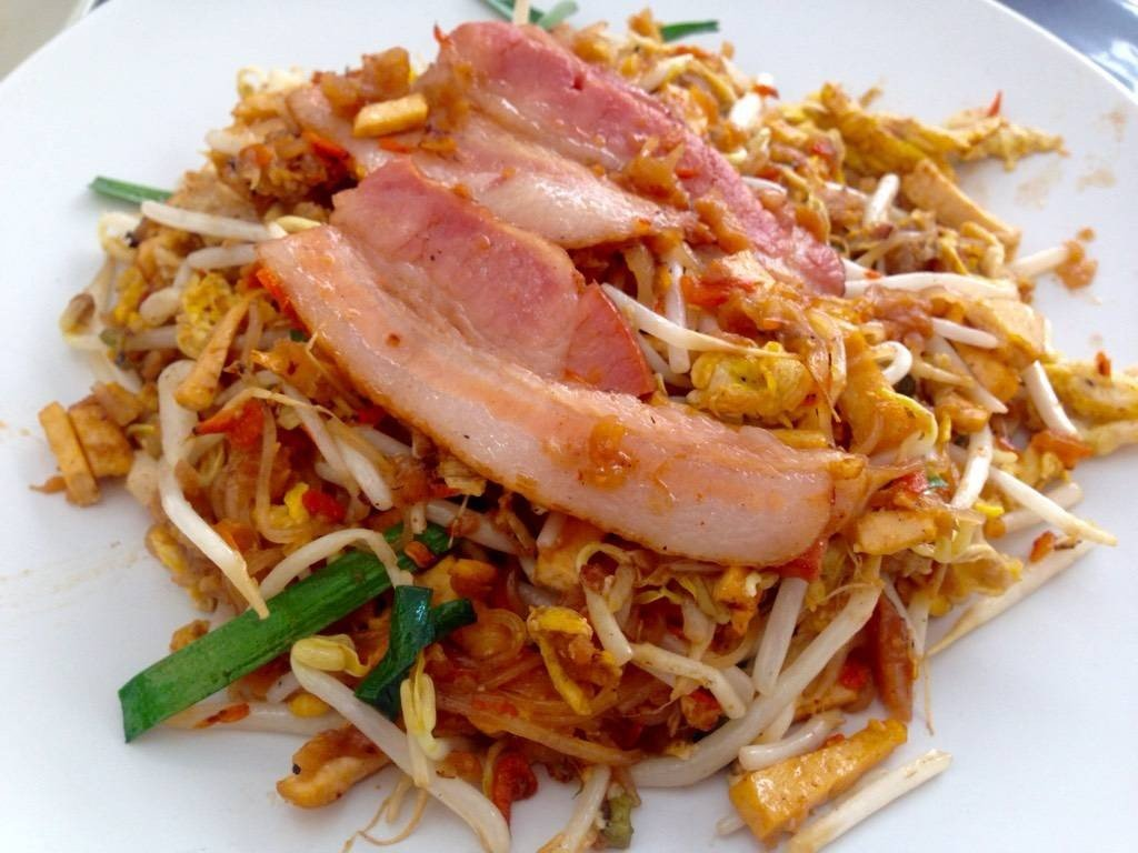 ผัดไทยเบคอน 50฿