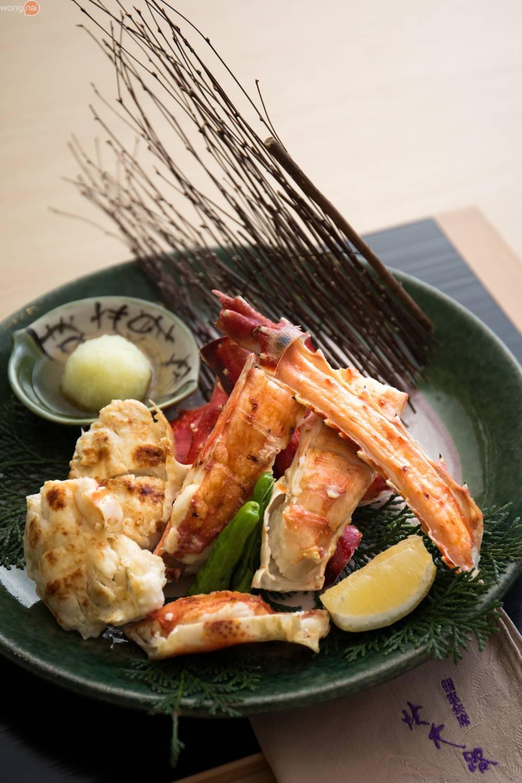 """""""Taraba King Crab Charcoal Grill"""" (2,690 บาท)"""