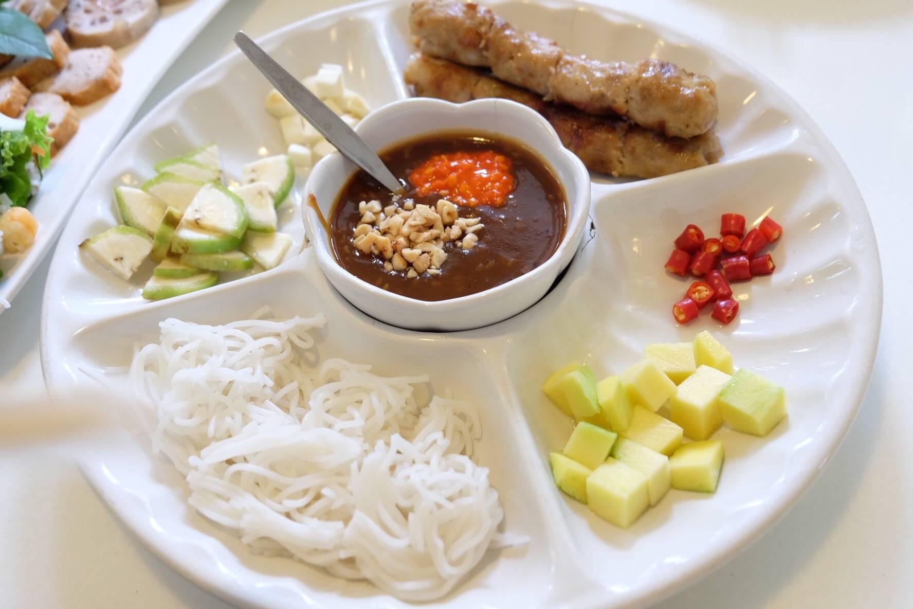 ร้านอาหารดาลัด Dalad Restaurant ซอยประดิพัทธ์ 19