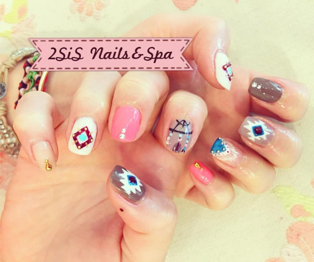 2SiS Nails & Spa