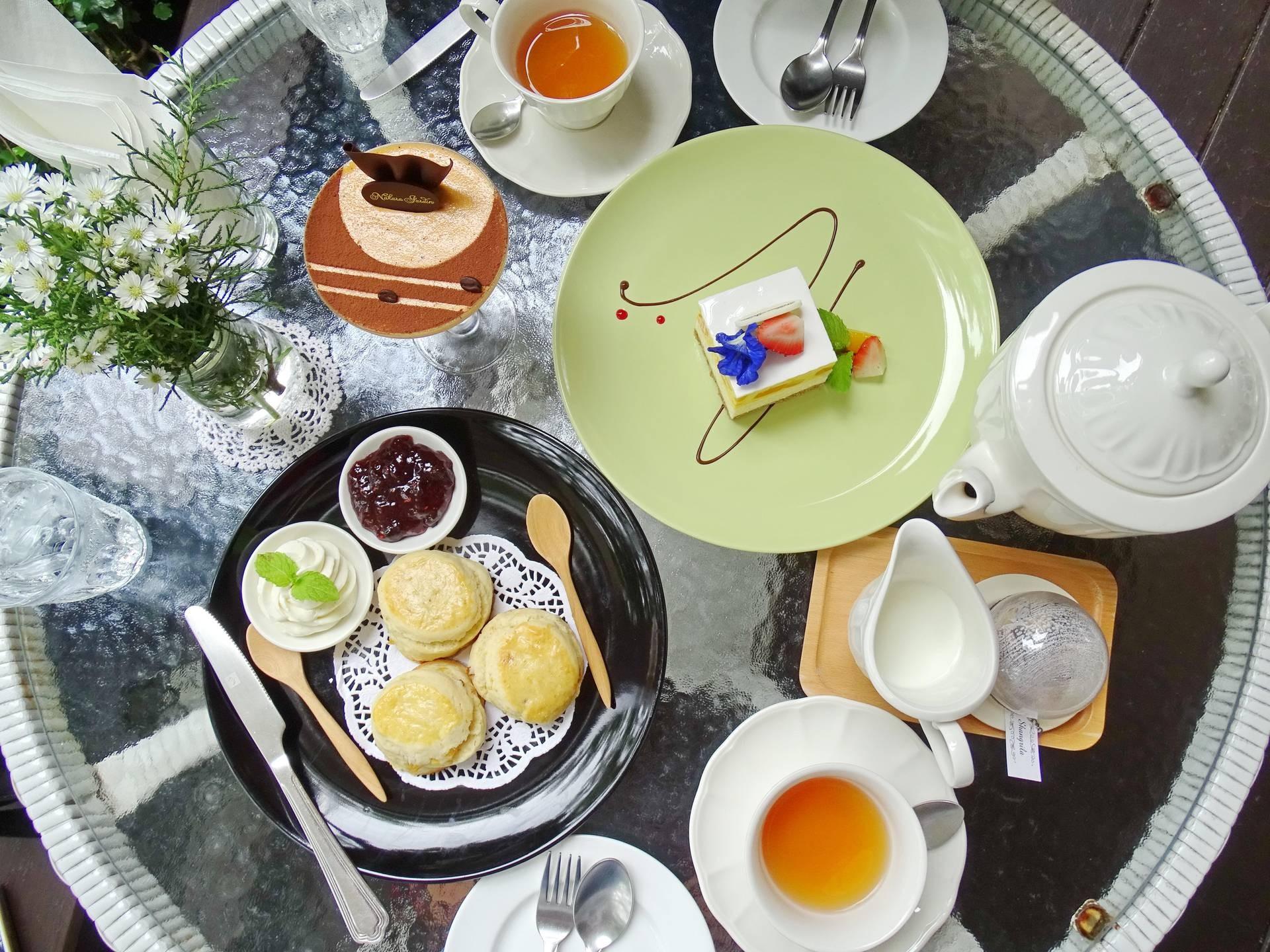 Raisin Scone Cream +Thai Tea Tiramisu +Mango Cheese Cake+  Shangrila  (ชา)
