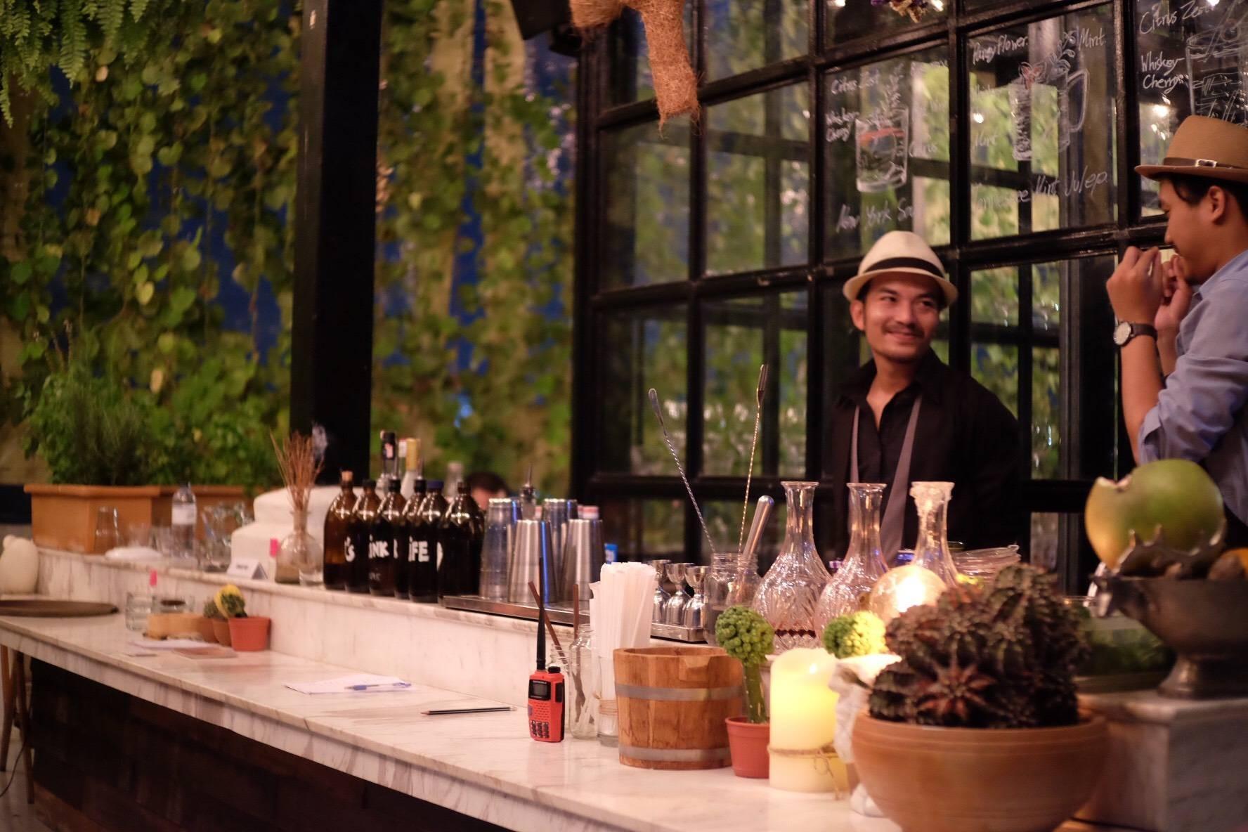 Hotel yayee (Roof Top Bar&Coffee Shop)