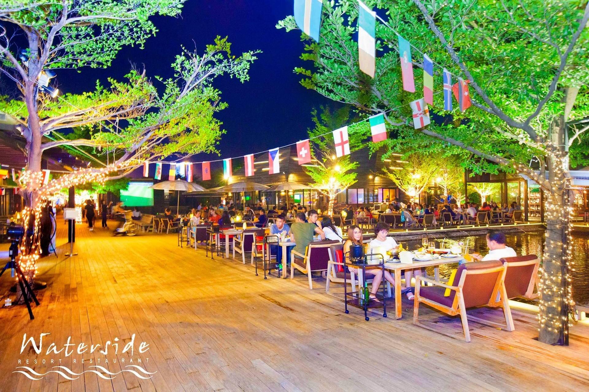 Waterside Karaoke Restaurant เกษตร - นวมินทร์