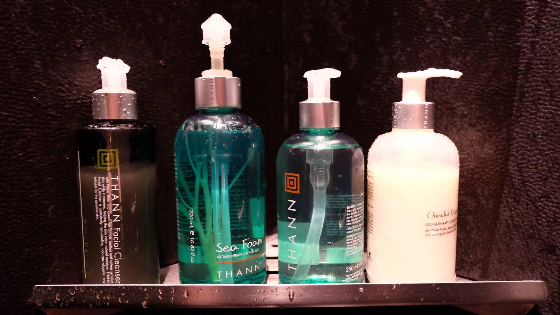 ผลิตภัณฑ์ที่ให้ใช้ในห้องสปาทุกตัวเป็นกลิ่นที่เราเลือกค่ะ