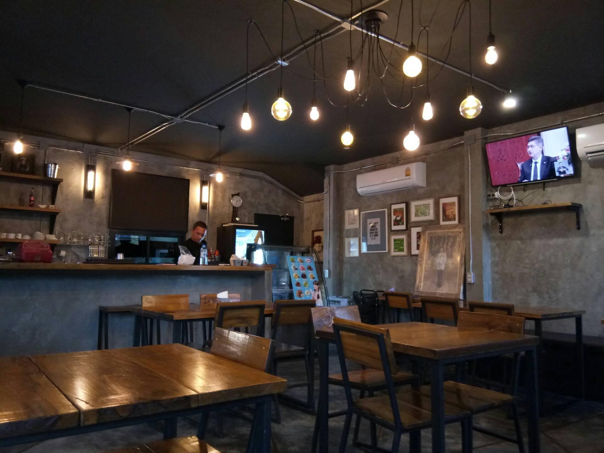 48 House Restaurant &cafe