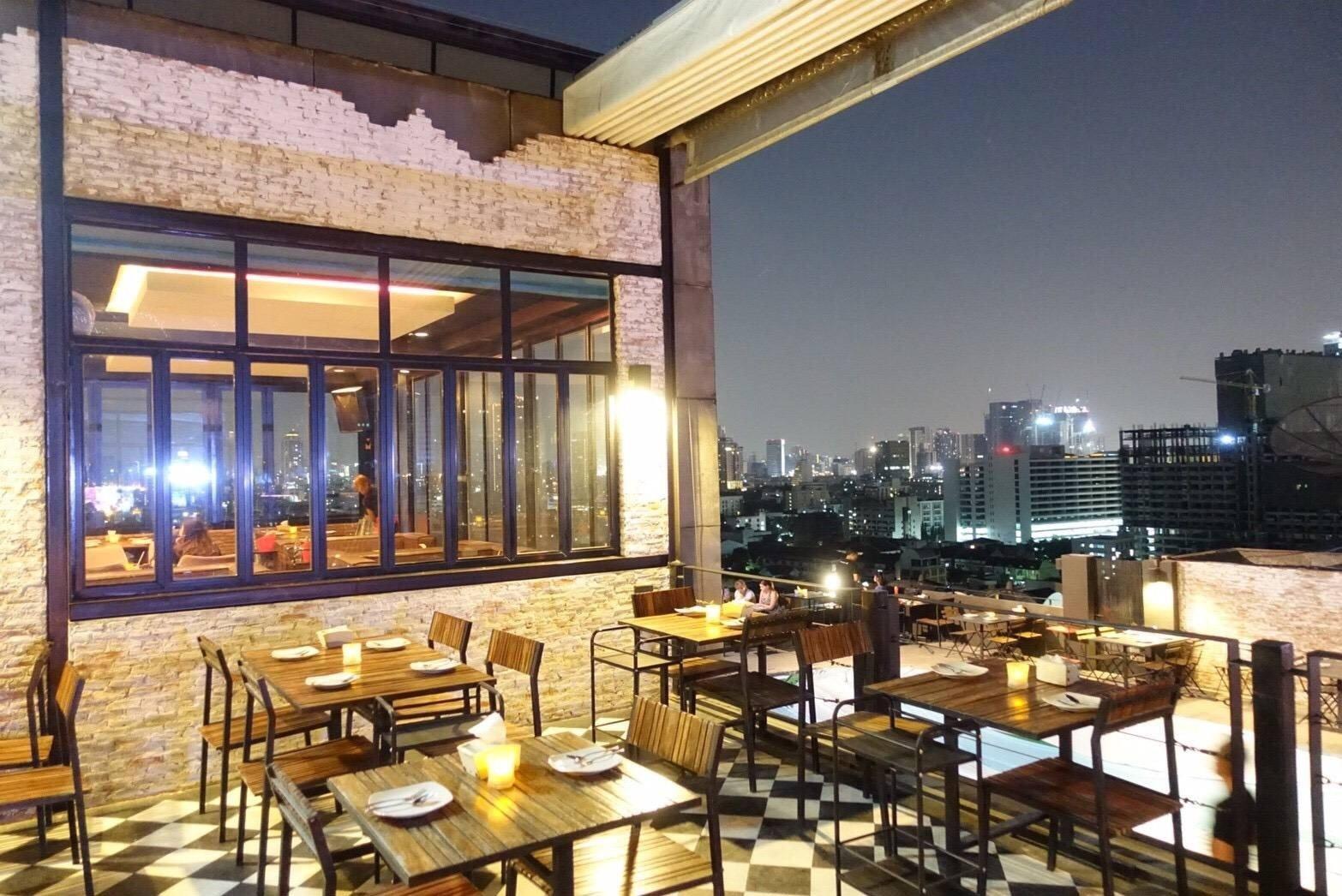 Legend Roof Bar