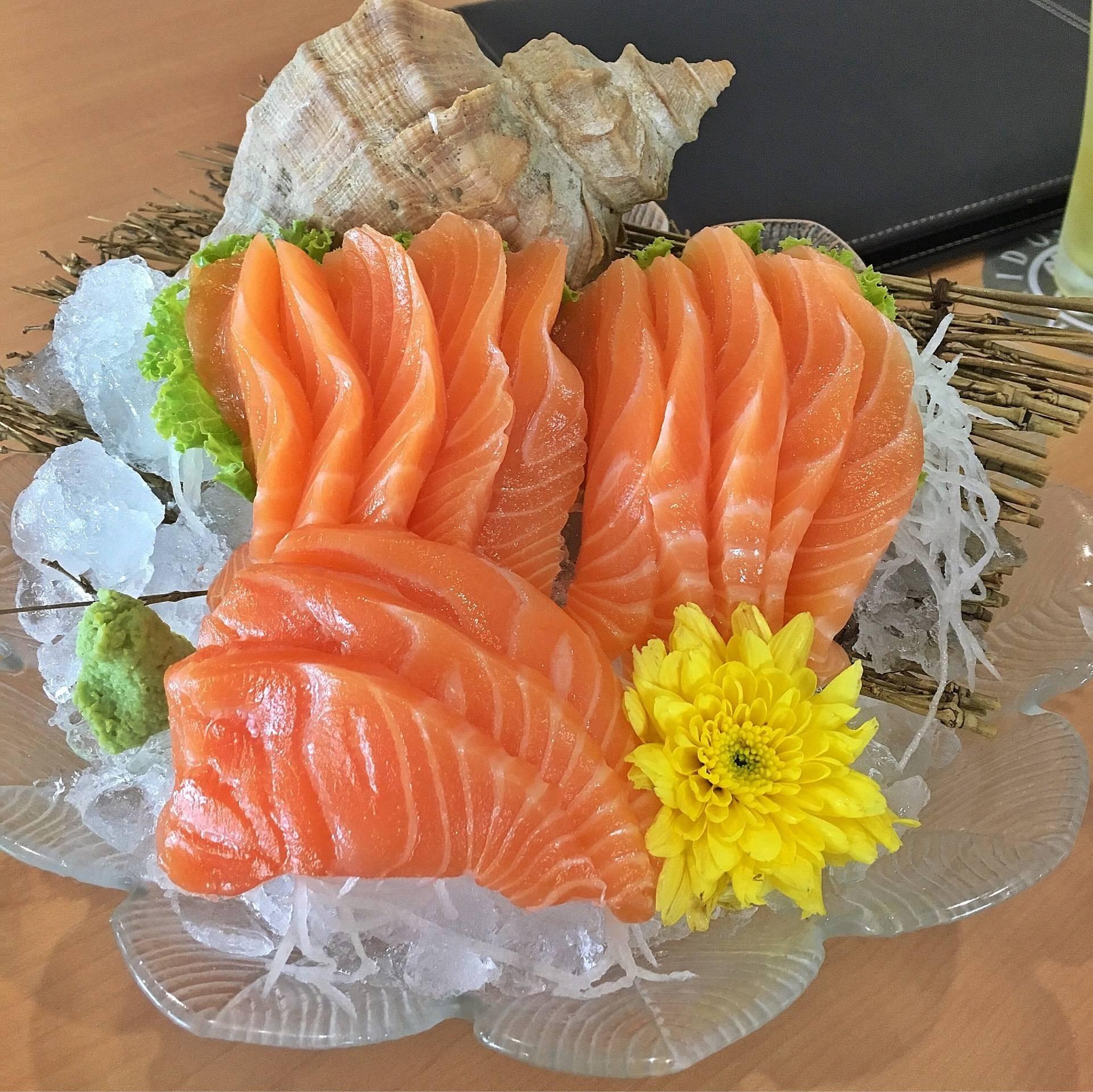 Hokkaido sushi in the garden