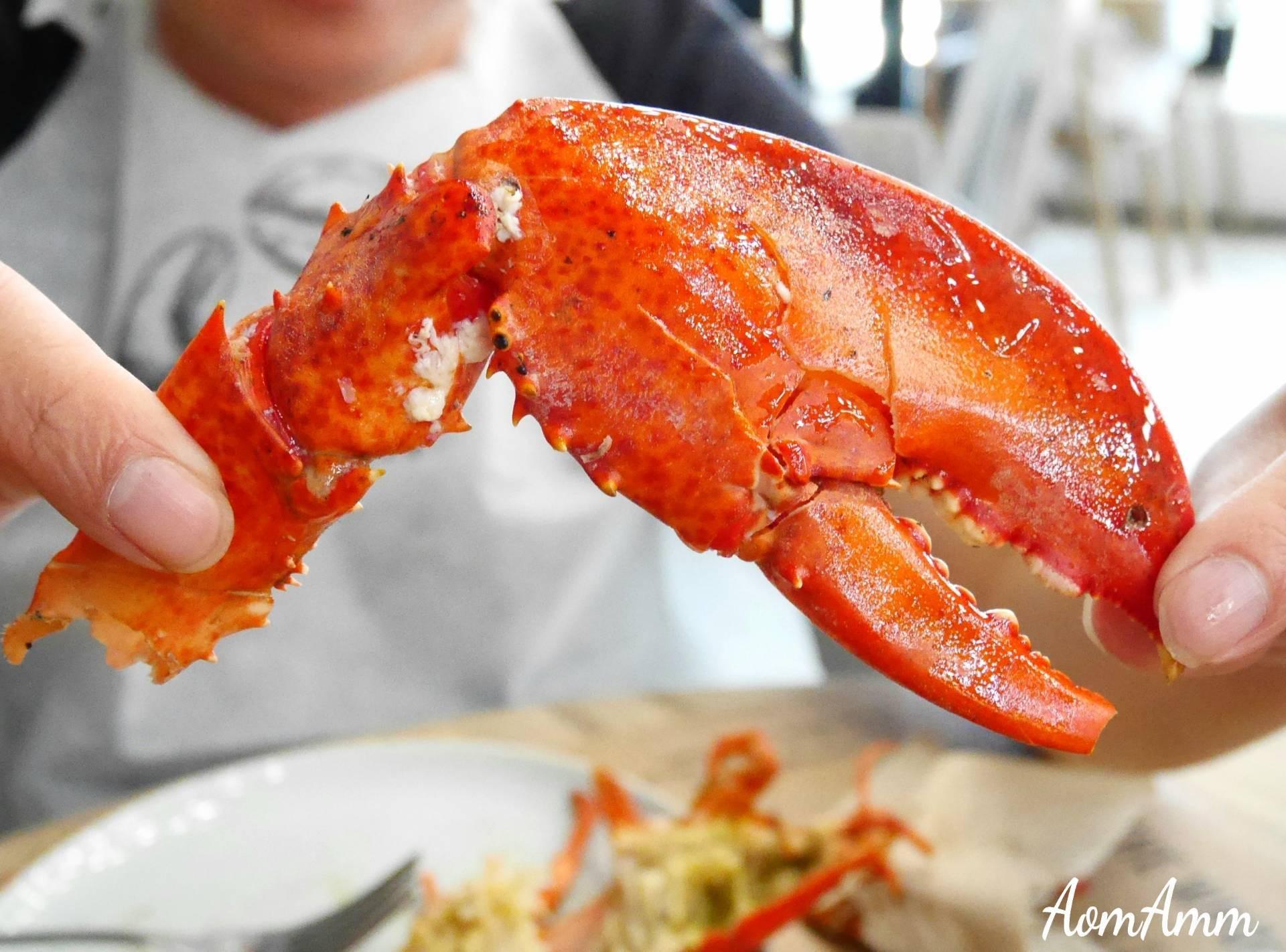 เมนูของร้าน Crab and Claw The EmQuartier