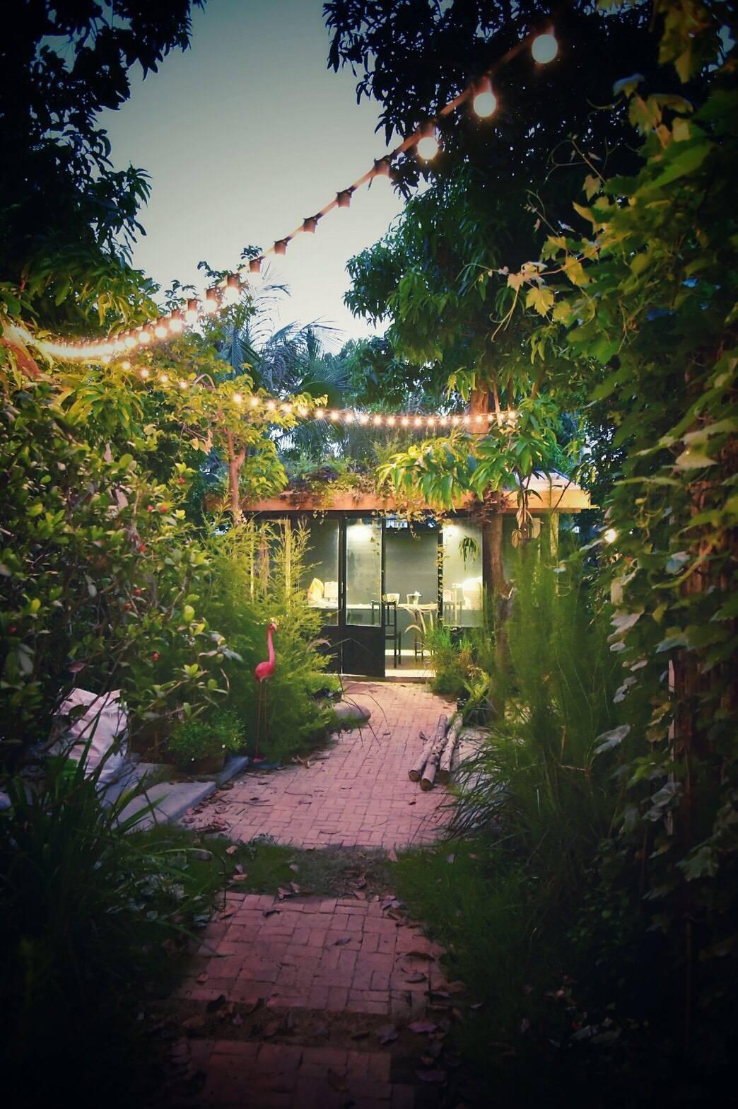 ชอบบรรยากาศในสวนมากค่ะ จัดปาร์ตี้เล็กๆ แบบส่วนตัวได้เลย