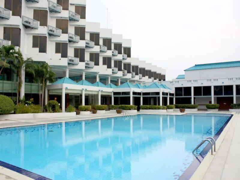โรงแรมซันธาราเวลเนสรีสอร์ท