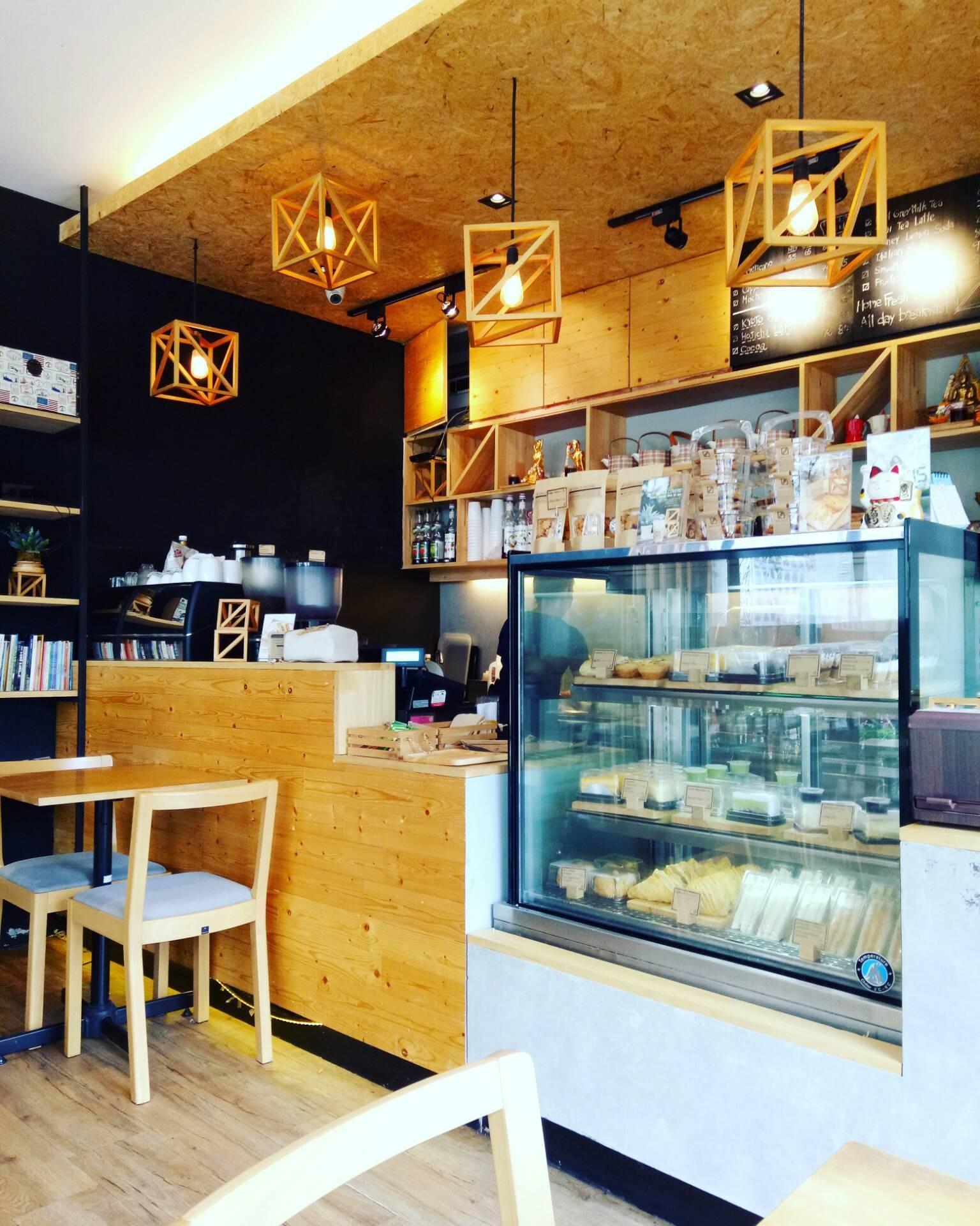 Take A Shot Coffee Bar บีทีเอส กรุงธนบุรี
