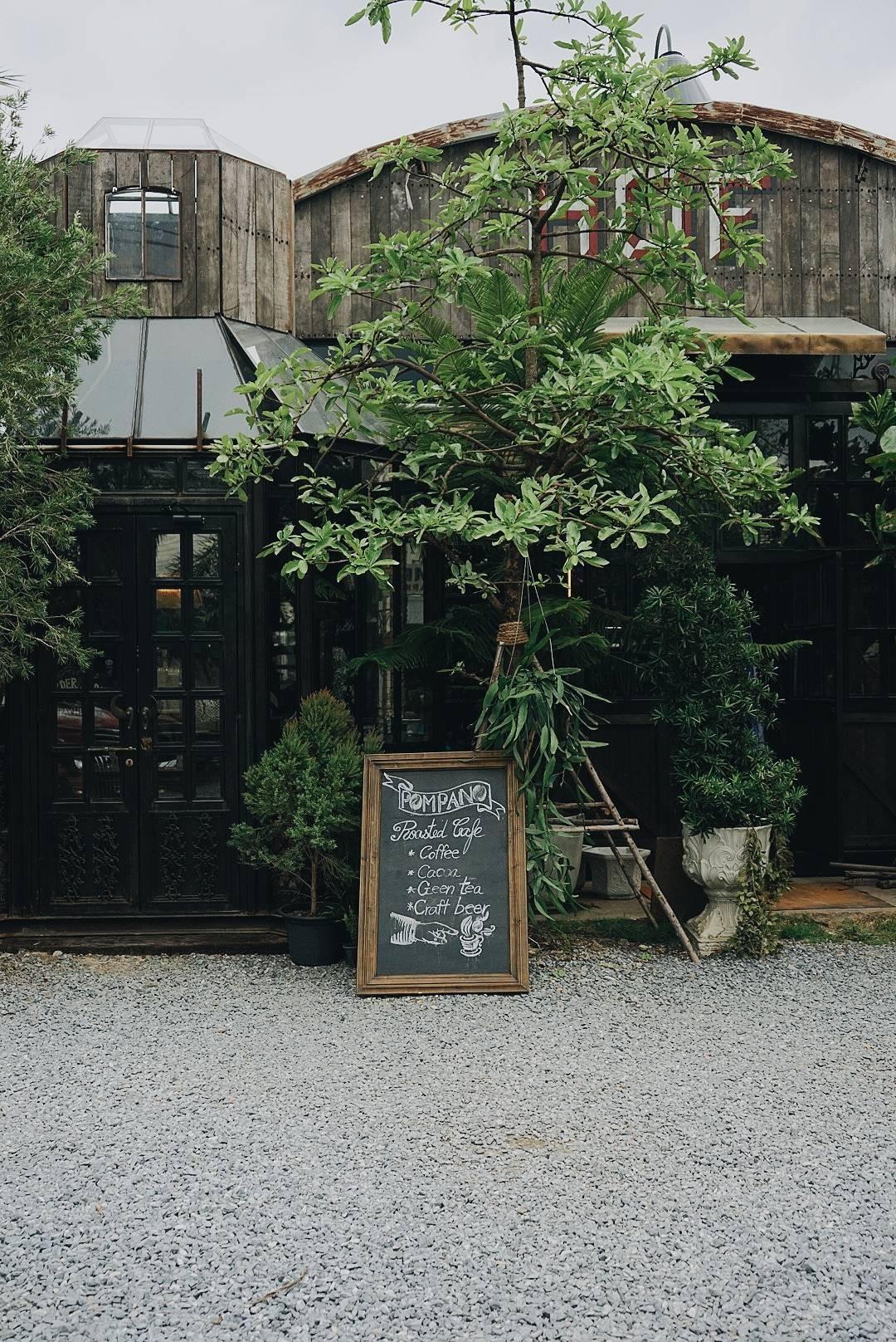 Pompano Roasted Cafe จตุจักร - กำแพงเพชร  - หมอชิต