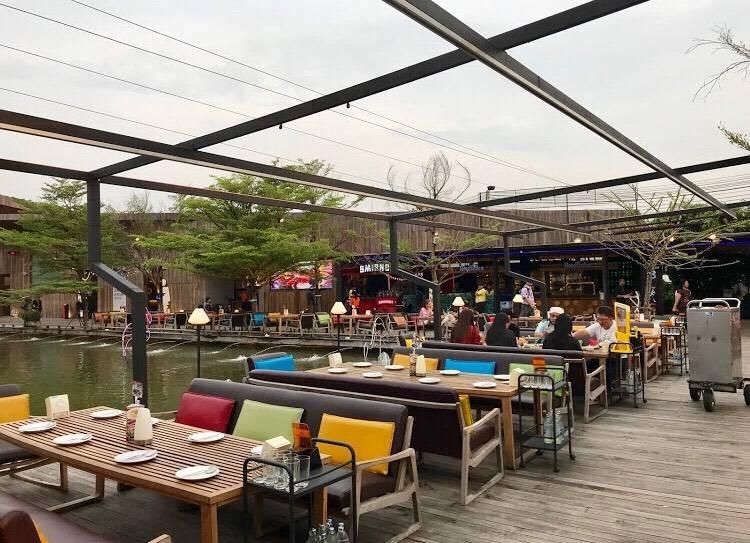 Waterside Karaoke Restaurant
