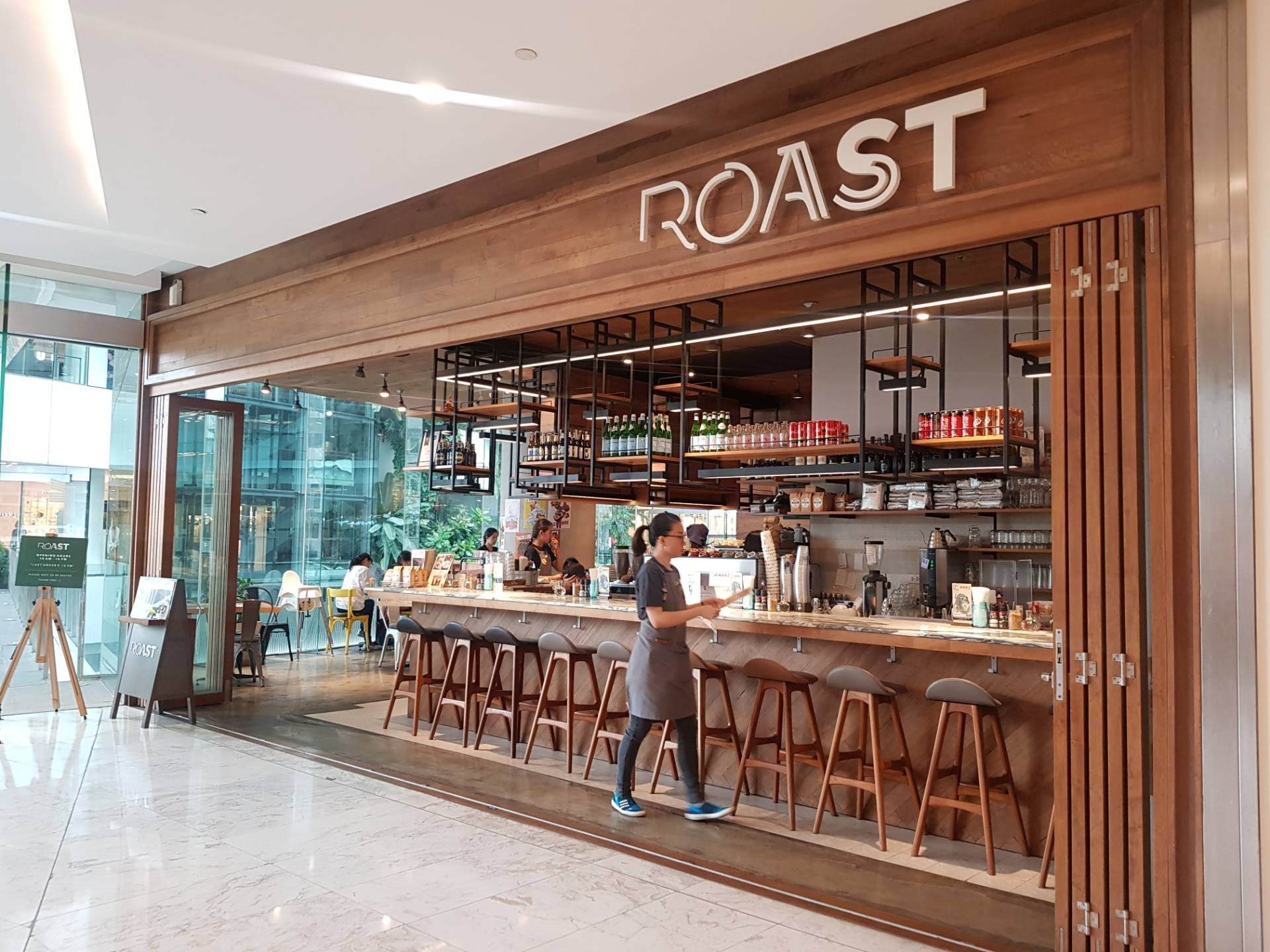 Roast เอ็มควอเทียร์