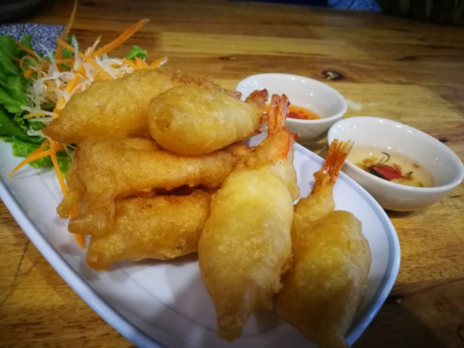 Fried seafood 100.-
