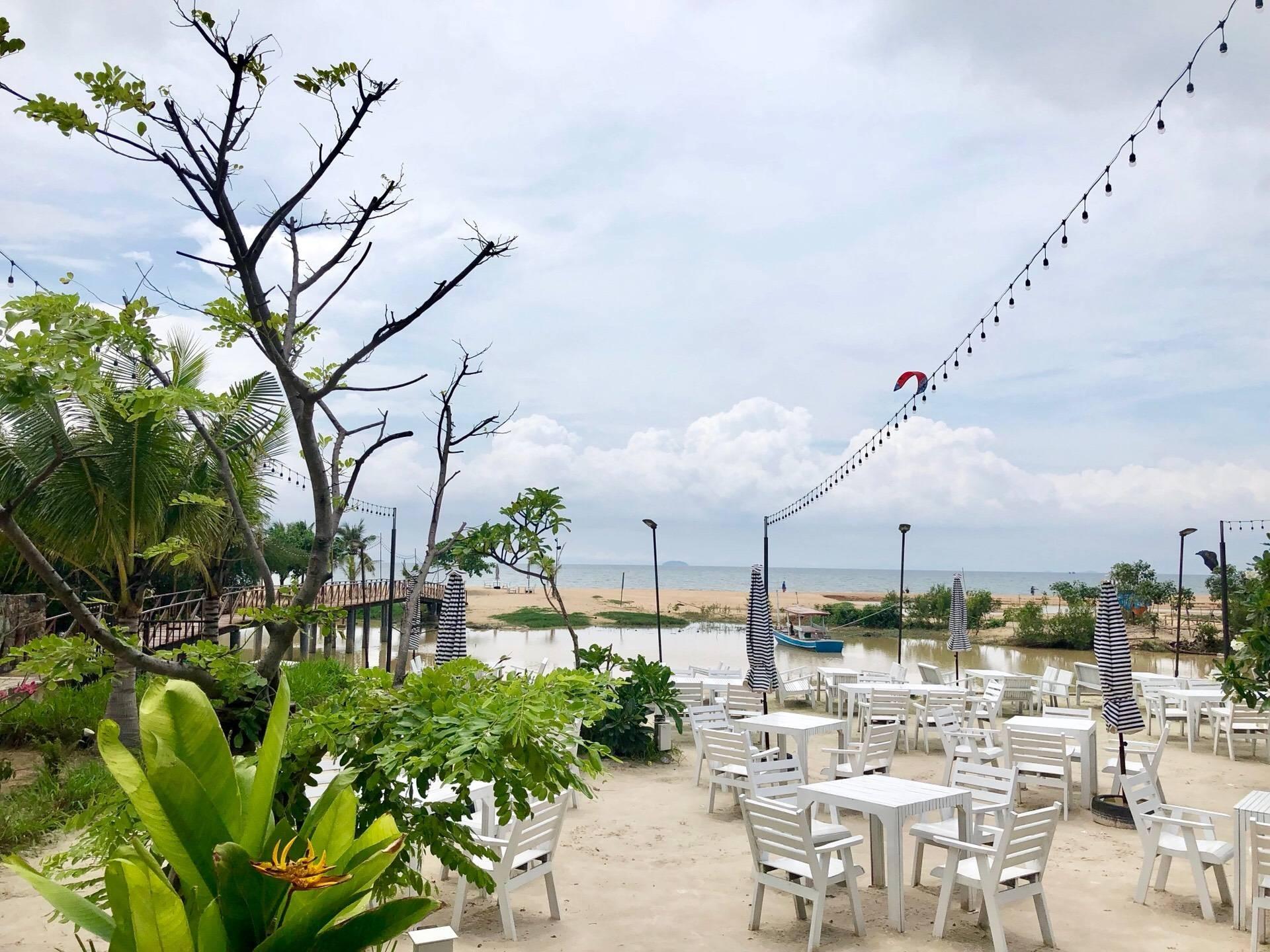 Sea Blue Restaurant พัทยา