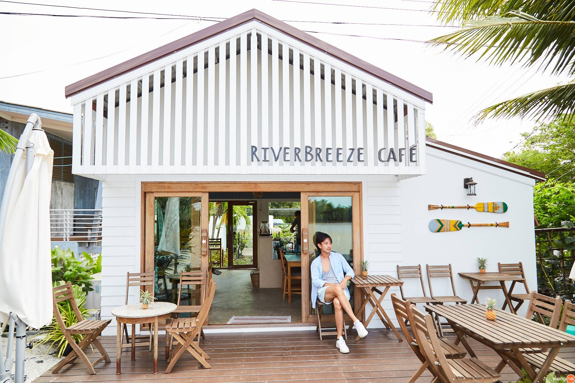 RiverBreeze Cafe