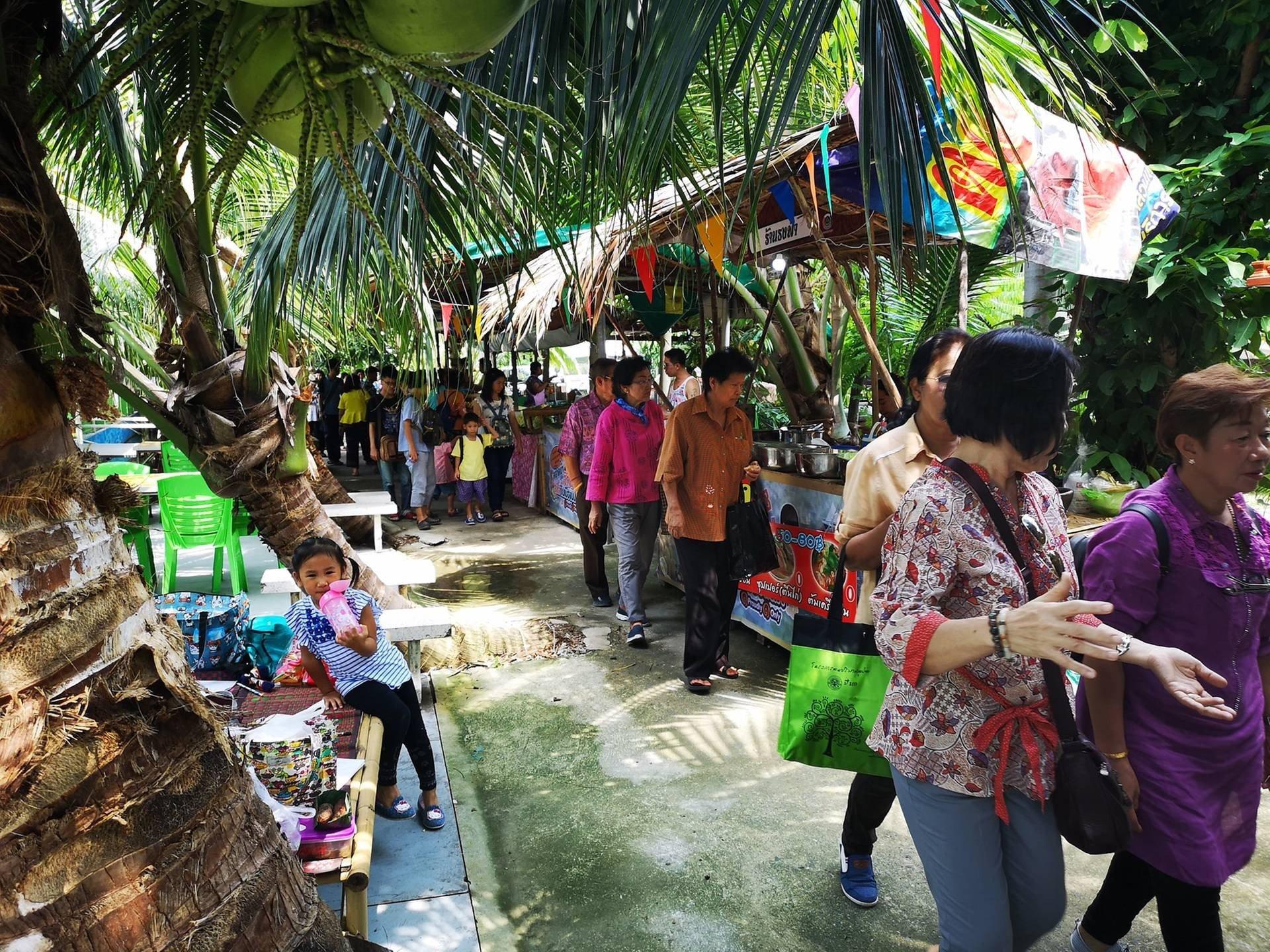 รูปภาพจาก FB : ตลาดน้ำประชารัฐสวนบัว Suan Bua Floating Market