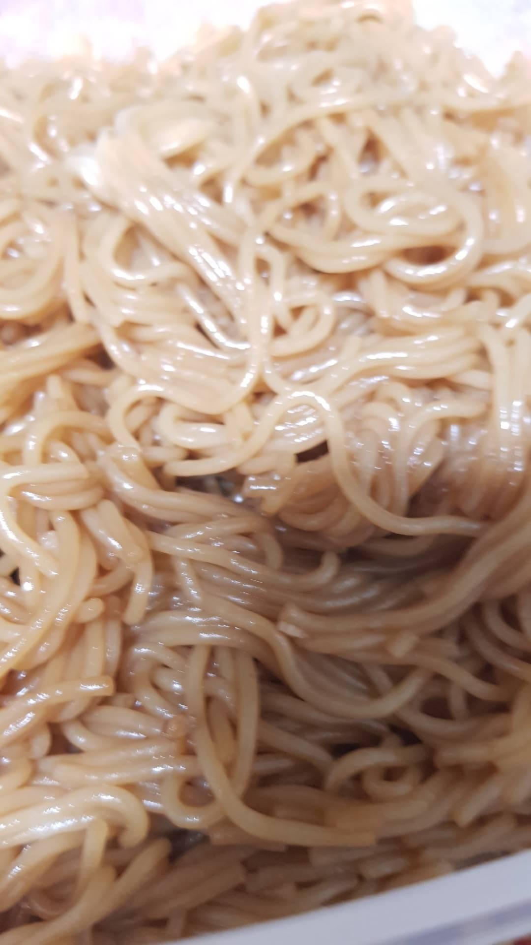 ผัดหมี่ขนมจีน