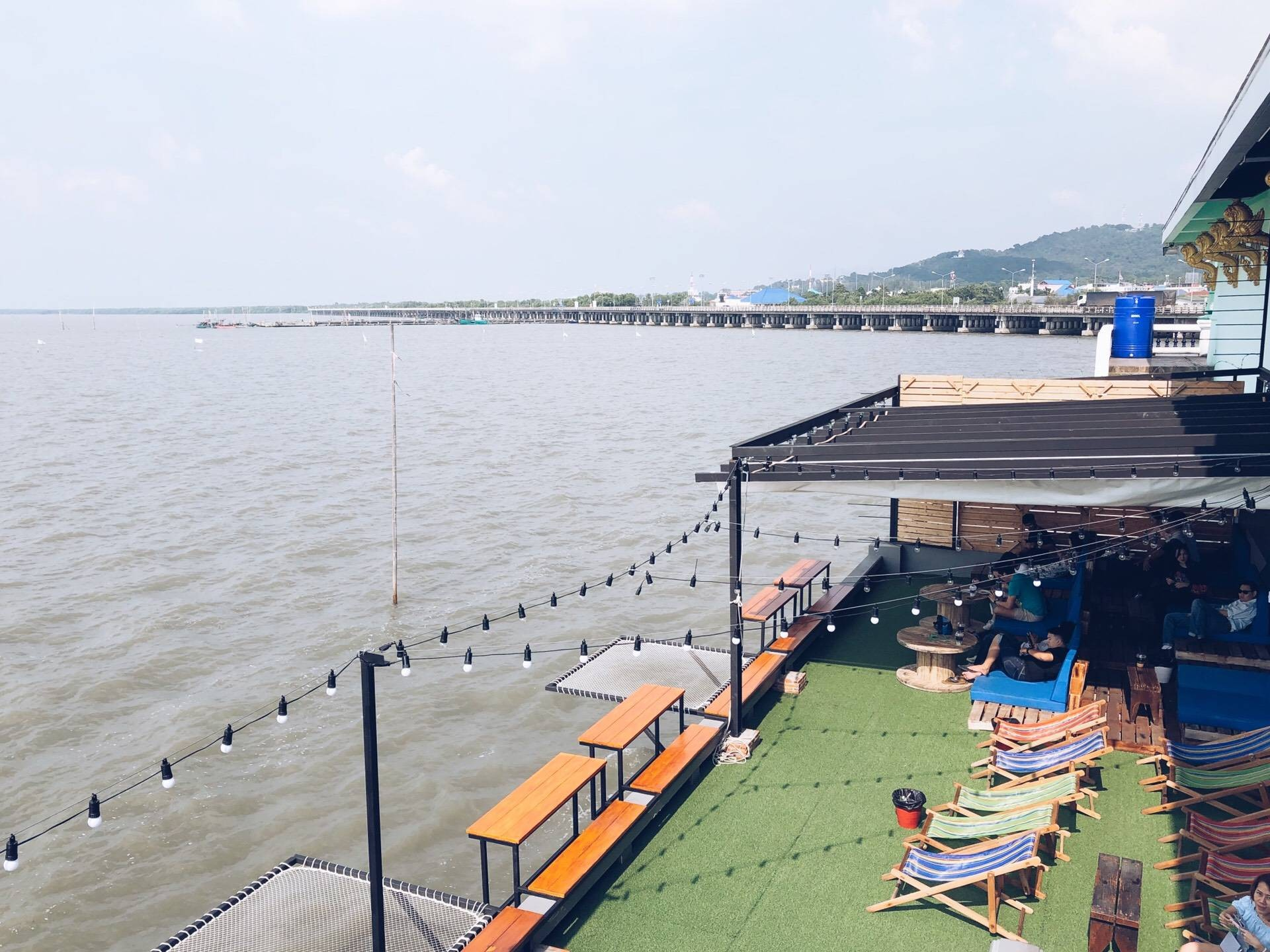Cafe on สะพาน