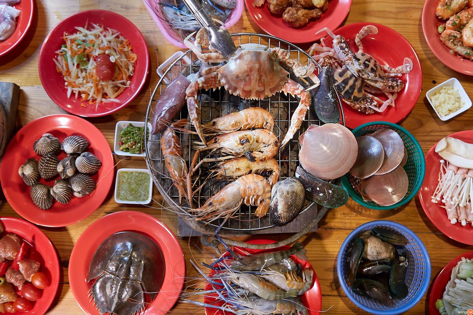 ฟาด ให้ เรียบ บุฟเฟ่ต์ทะเลเผา พัทยา อาหารทะเล อร่อย