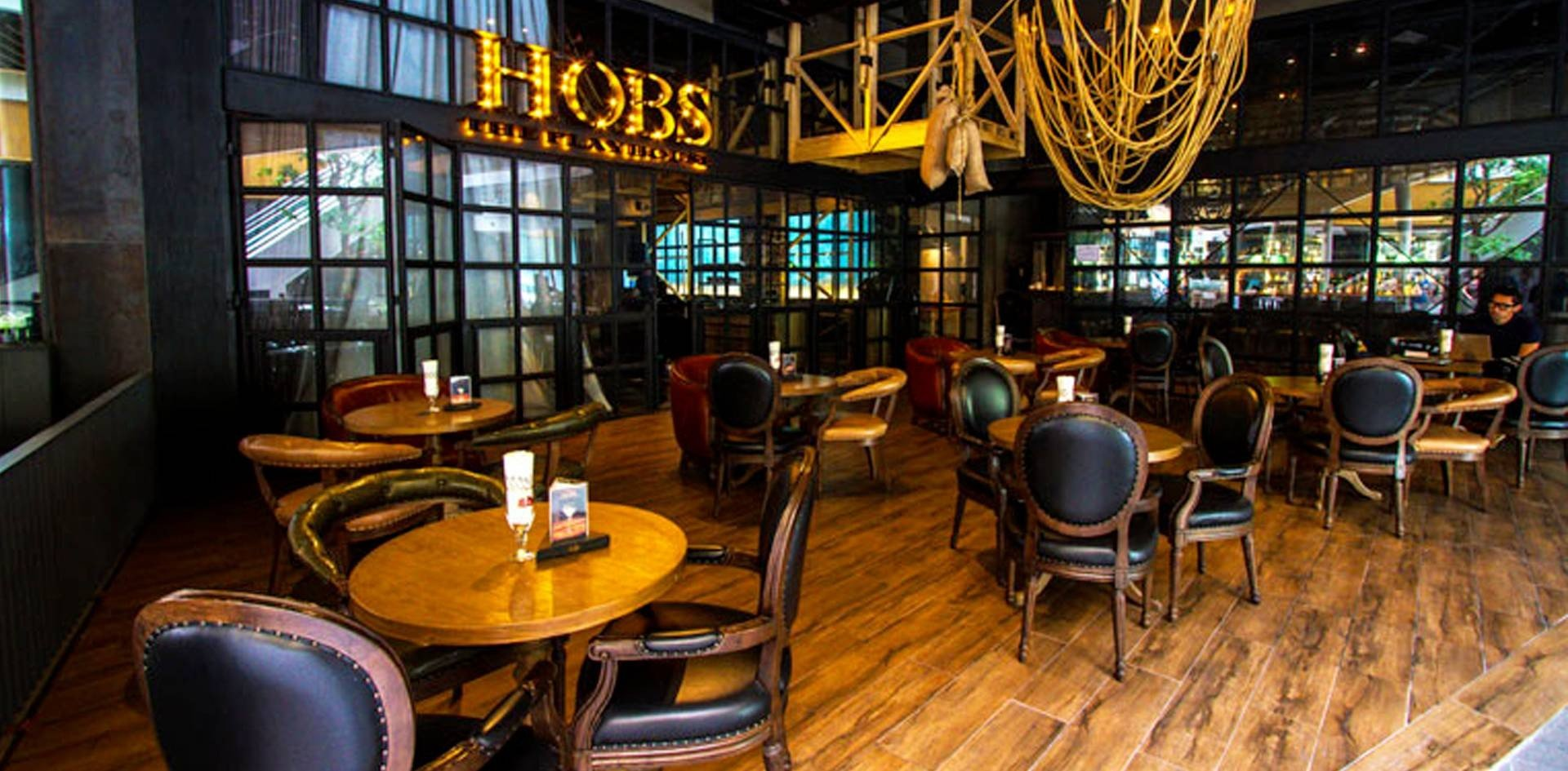HOBS The Playhouse Groove@CentralWorld