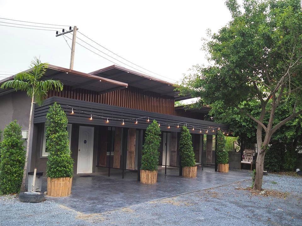 ภาพจาก https://www.facebook.com/lamoonboutiquehotelsuphanburi/