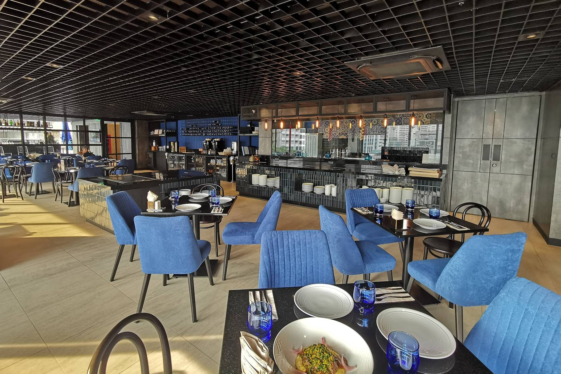 Felicita Rooftop Bar and Grill @ The Key Premier Hotel By Compass Hospitality